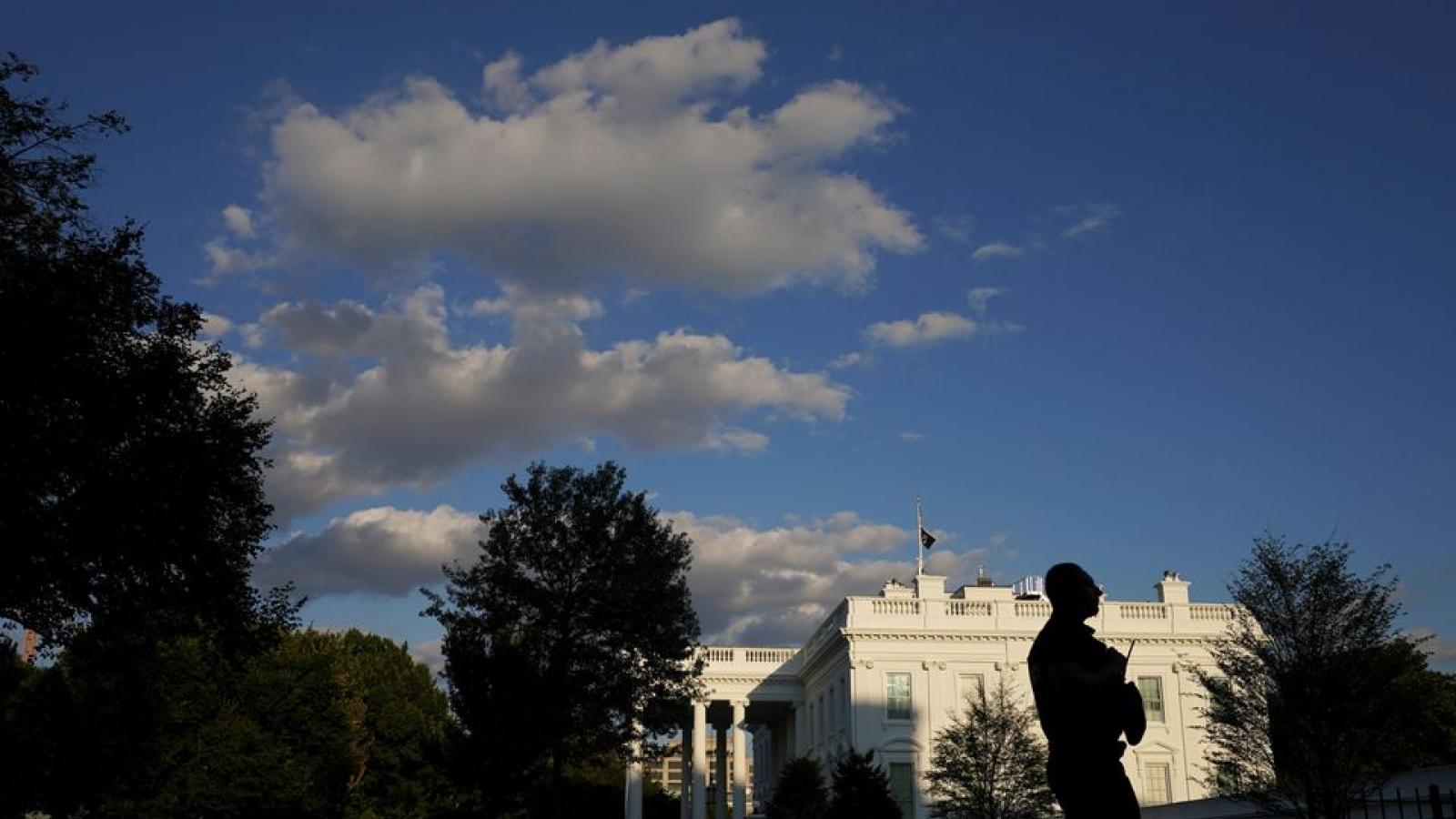 Phép thử với Tổng thống Mỹ Biden ngay sau khi ký dự luật ngăn chính phủ đóng cửa