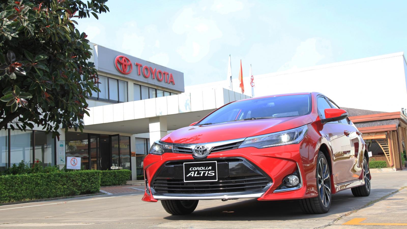 Corolla Altis huyền thoại của Toyota hấp dẫn hơn với ưu đãi trong tháng 10