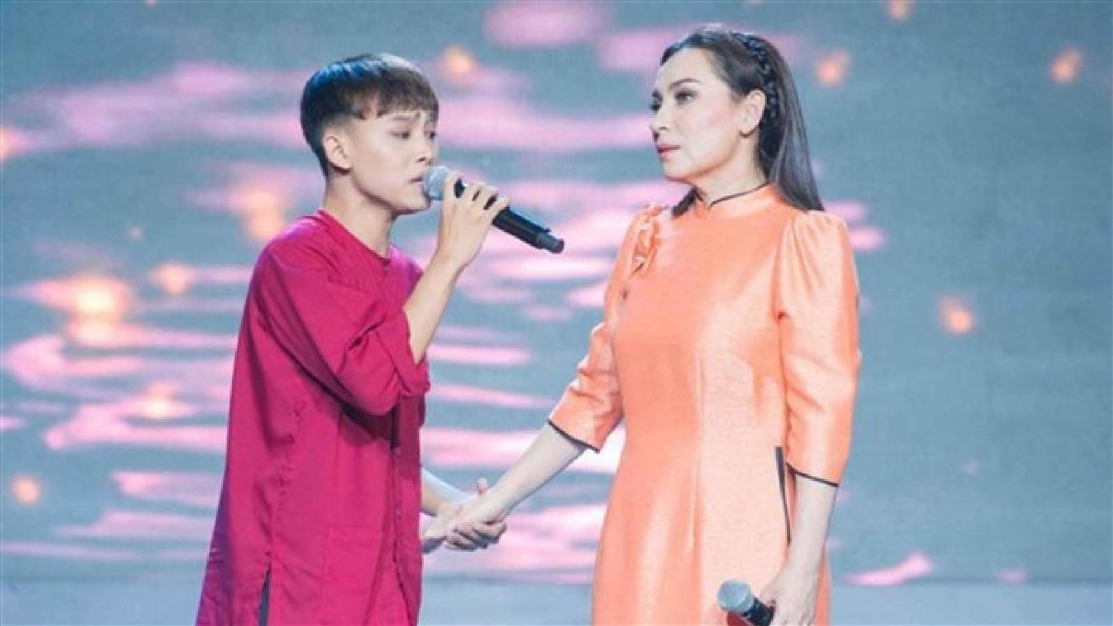 Quản lý Phi Nhung trả cát-xê đi hát cho Hồ Văn Cường, tặng thêm 500 triệu đồng