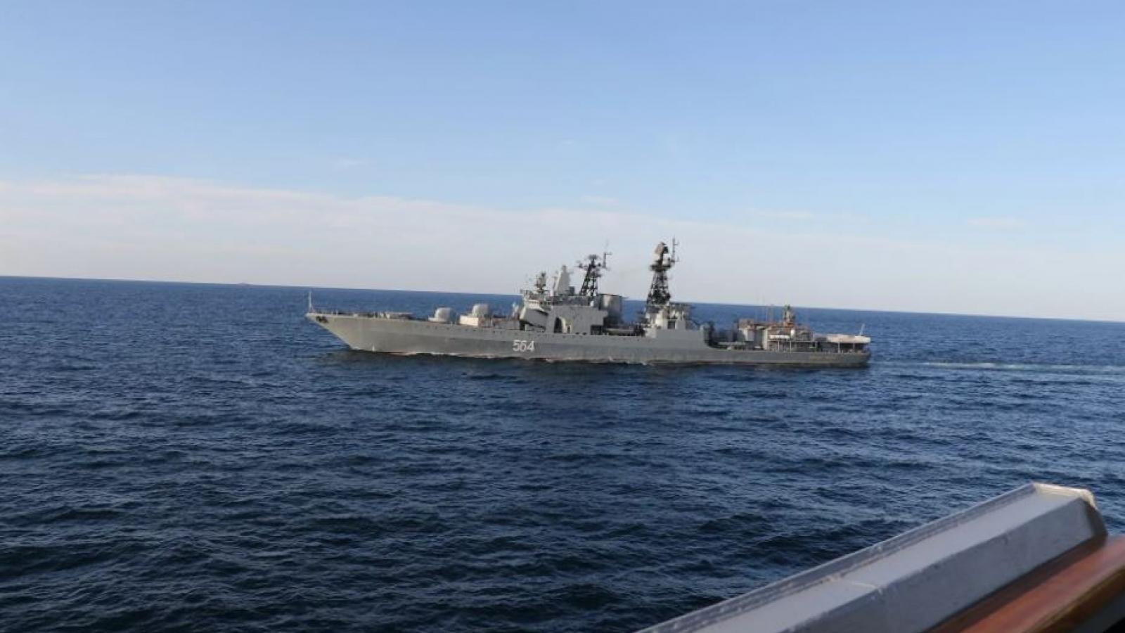 """Mỹ bác bỏ việc bị tàu chiến Nga """"đuổi"""" khỏi lãnh hải"""