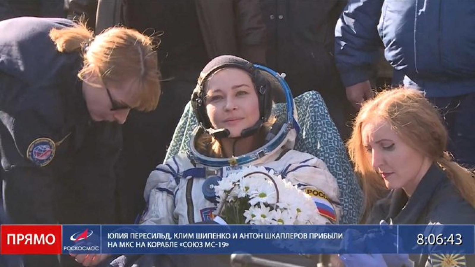 Đoàn làm phim Nga trên trạm vũ trụ trở về Trái Đất an toàn