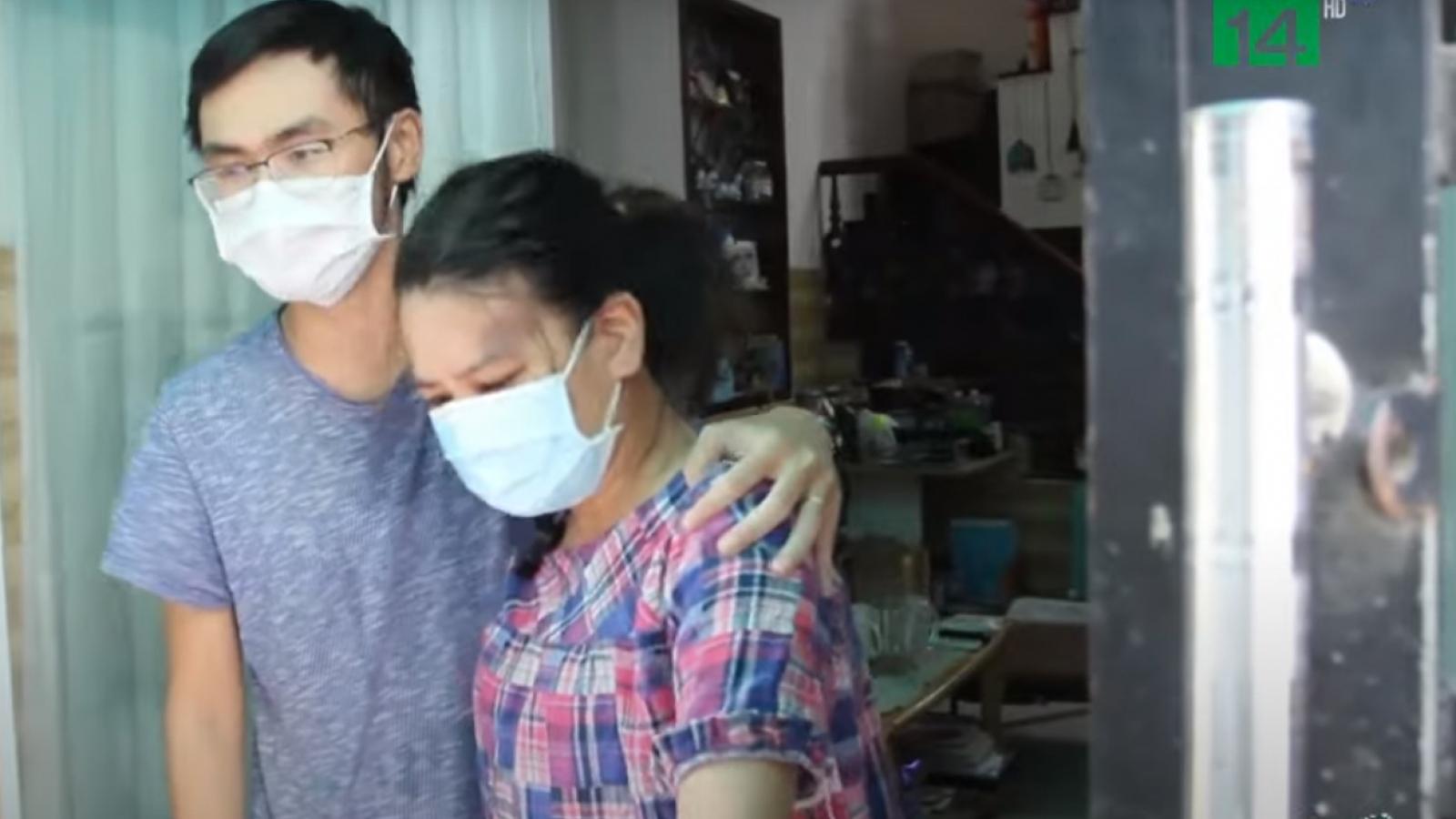 Nước mắt ngày trở về của mẹ con sản phụ mắc Covid-19 nặng