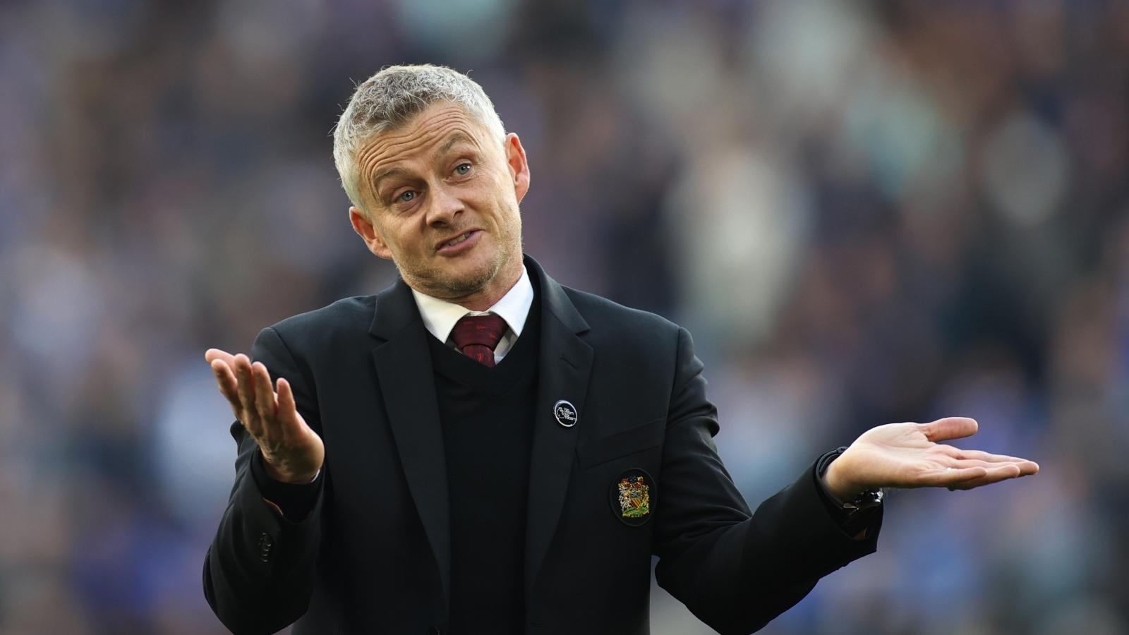 "HLV Solskjaer nhận lỗi khi MU thua ""muối mặt"" Leicester"