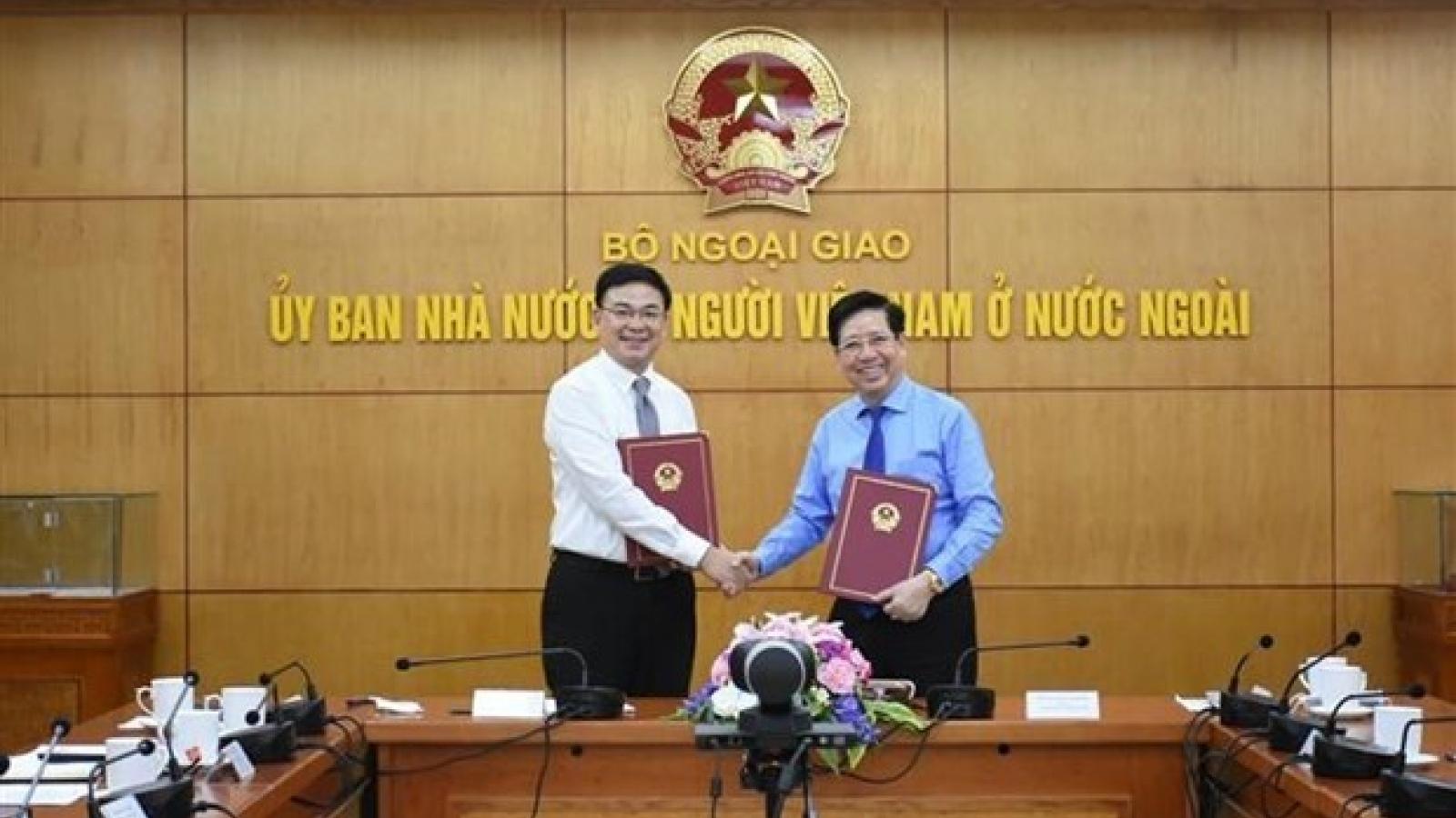 Webinar seeks ways to promote OVs' role in popularising Vietnamese goods abroad