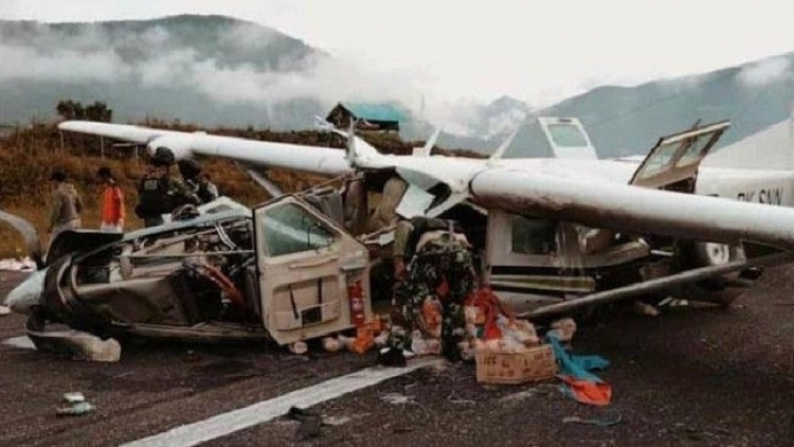 Rơi máy bay chở hàng tại Indonesia,phi công thiệt mạng