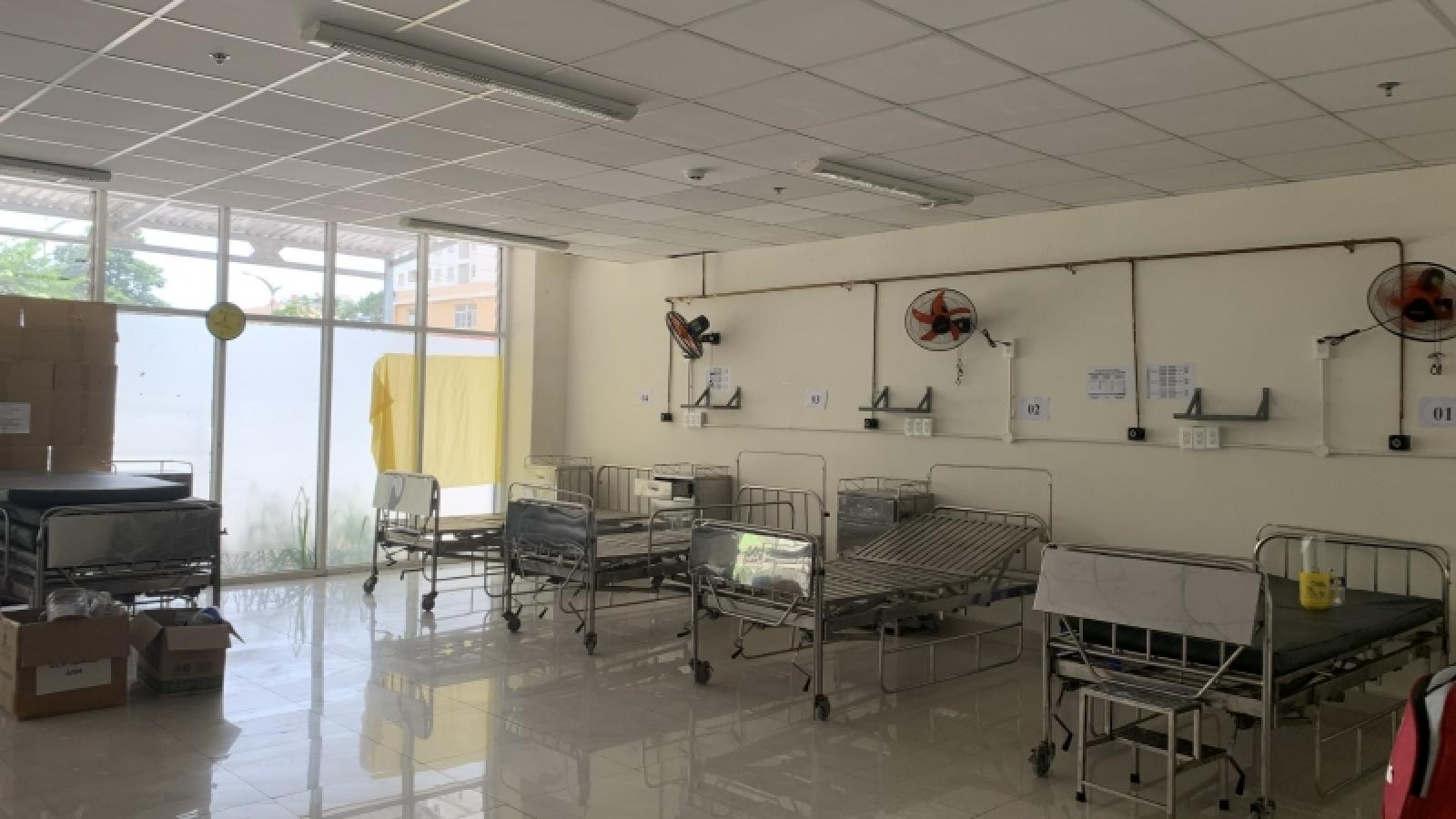 """Bệnh viện COVID-19 mừng vì ngày càng """"ế"""" bệnh nhân"""