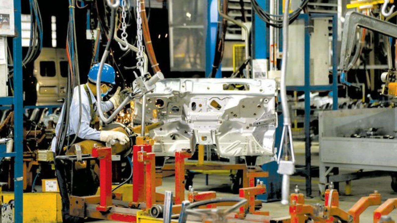 Thủ tướng ban hành chỉ thị phục hồi sản xuất tại các khu vực sản xuất công nghiệp