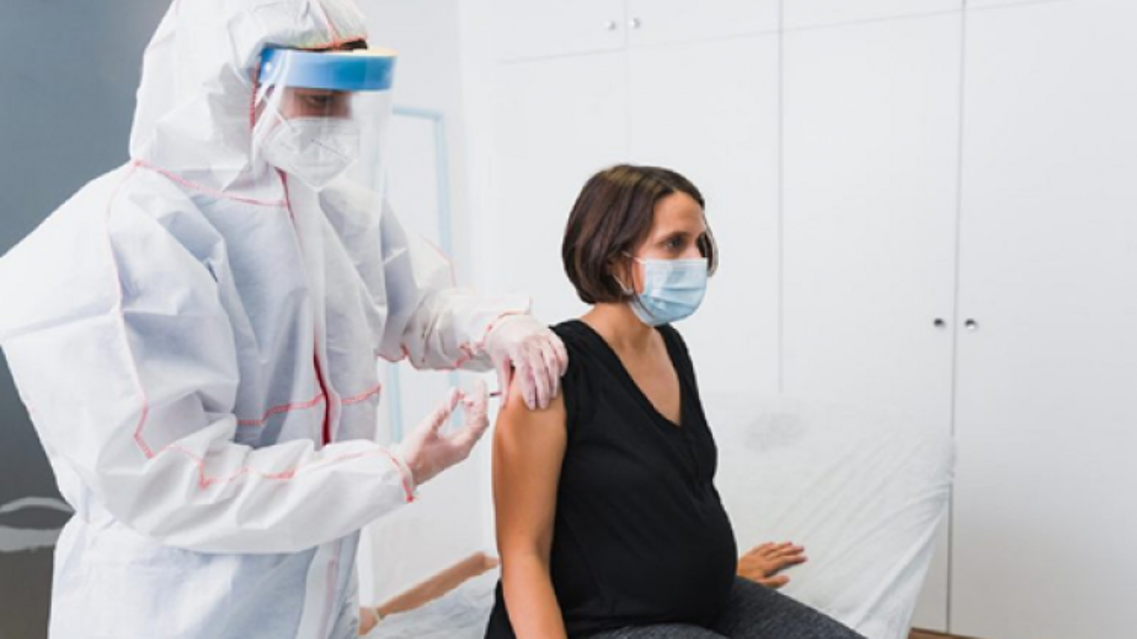 Tiêm vaccine COVID-19 có liên quan đến nguy cơ sảy thai không?