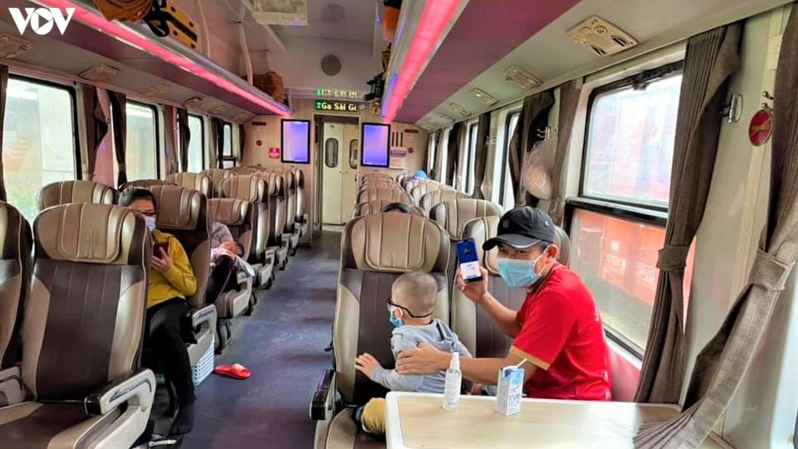 Quảng Bình đón 2.900 người dân tại các vùng dịch phía Nam về quê bằng tàu hỏa