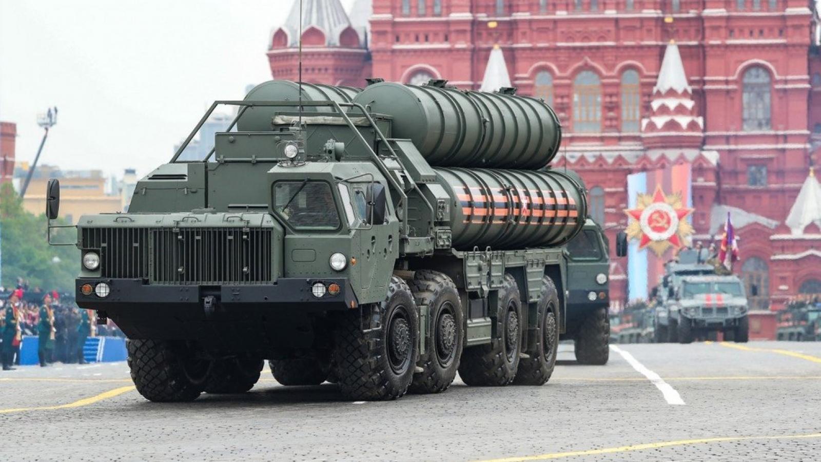 """Ấn Độ mua S-400 của Nga, Mỹ """"đau đầu"""" vì lựa chọn trừng phạt hay không"""