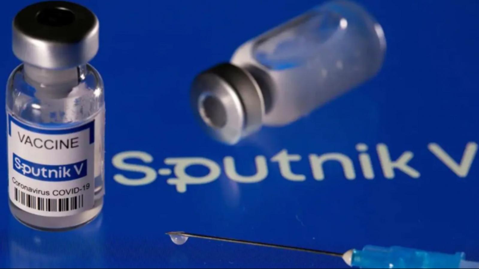 Nga cho phép tiêm cùng lúc vaccine ngừa Covid-19 và vaccine cúm mùa