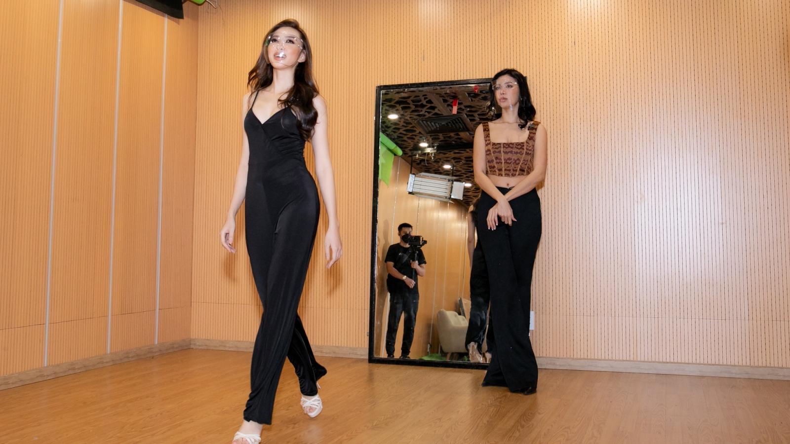Người đẹp Thùy Tiên được Minh Tú truyền kinh nghiệm trước ngày dự thi quốc tế
