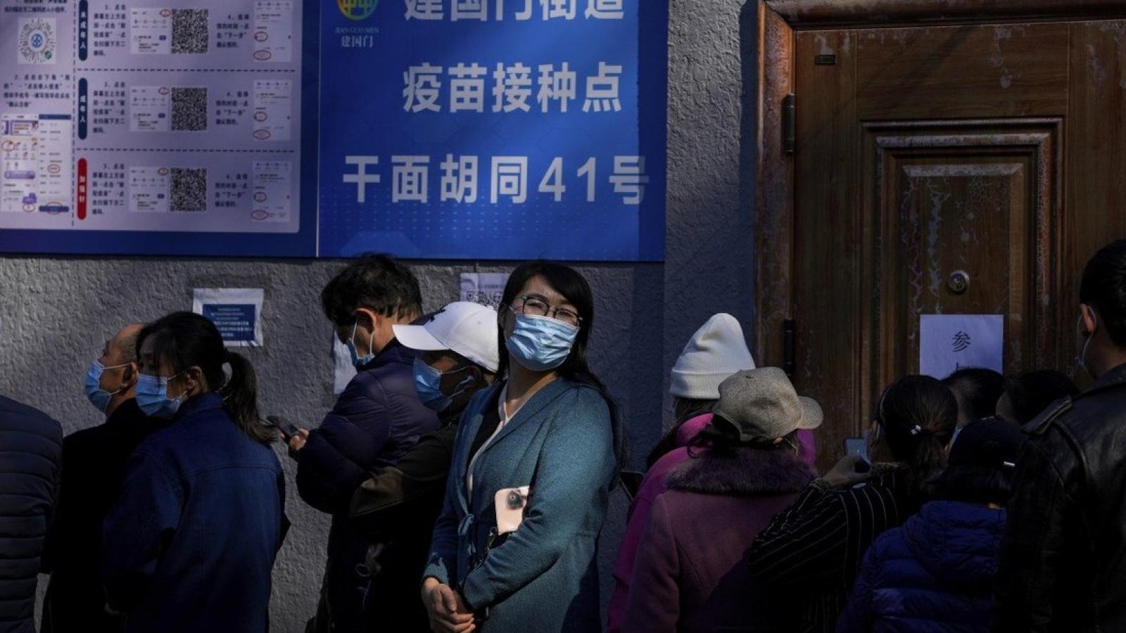 Trung Quốc siết chặt du lịch do dịch Covid-19 lại bùng phát và lan rộng
