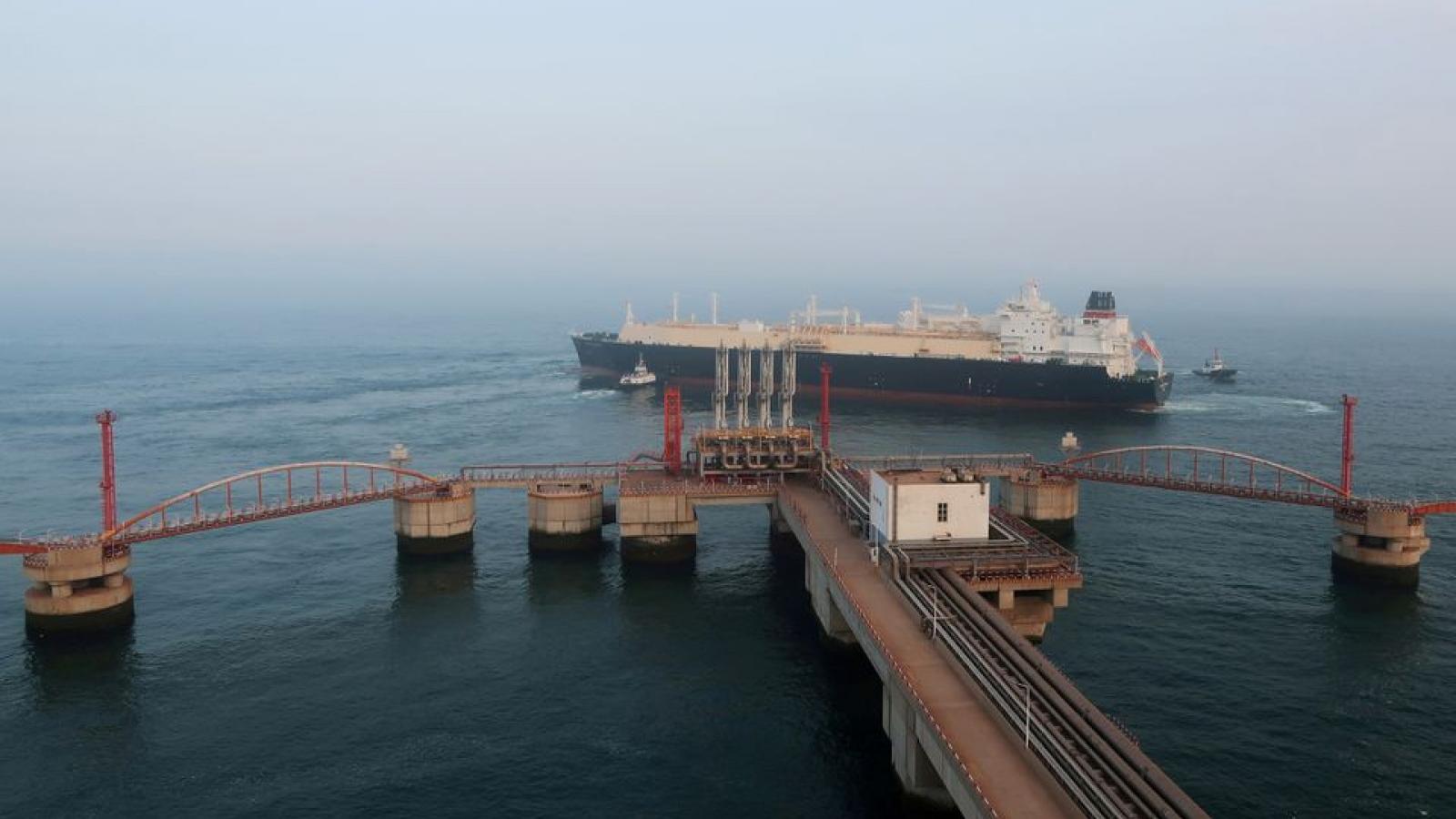 """Khủng hoảng năng lượng: Trung Quốc """"cầu cứu"""" Mỹ, EU tìm giải pháp khẩn cấp"""