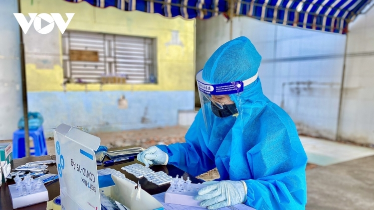 Vietnam records 3,636 new positive cases and 1,542 recoveries