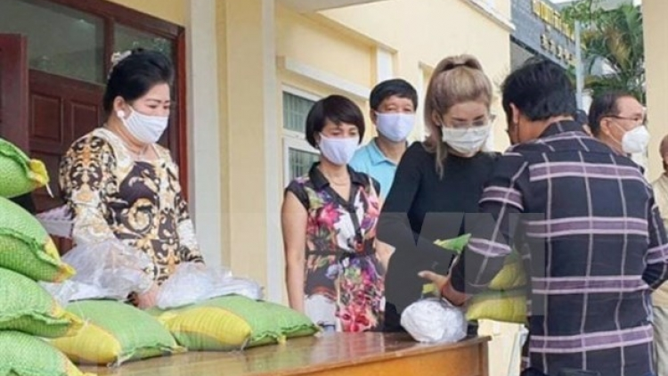 Struggling Vietnamese Cambodians receive aid amid COVID-19 pandemic