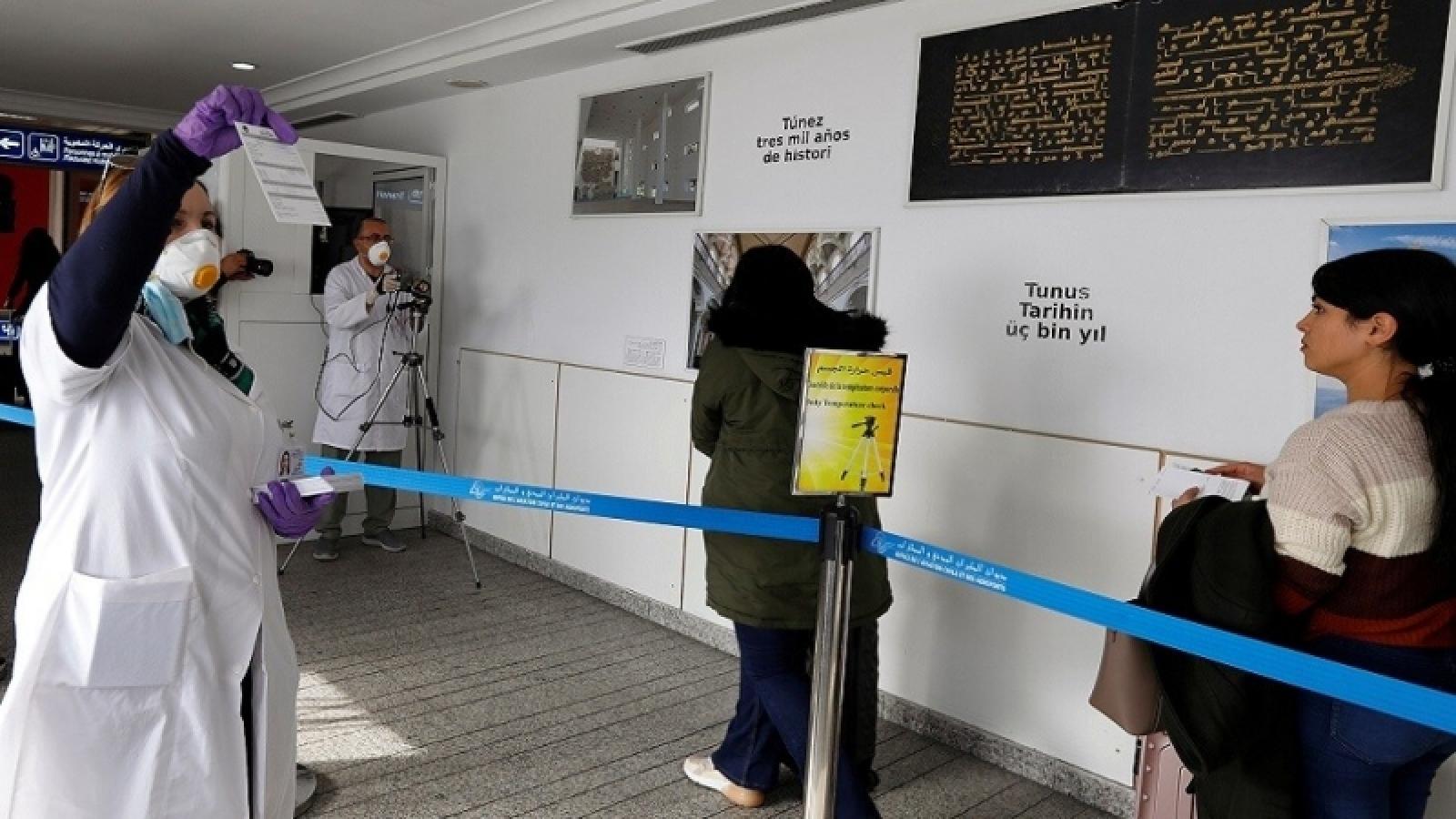 Tunisia áp dụng hộ chiếu vaccine