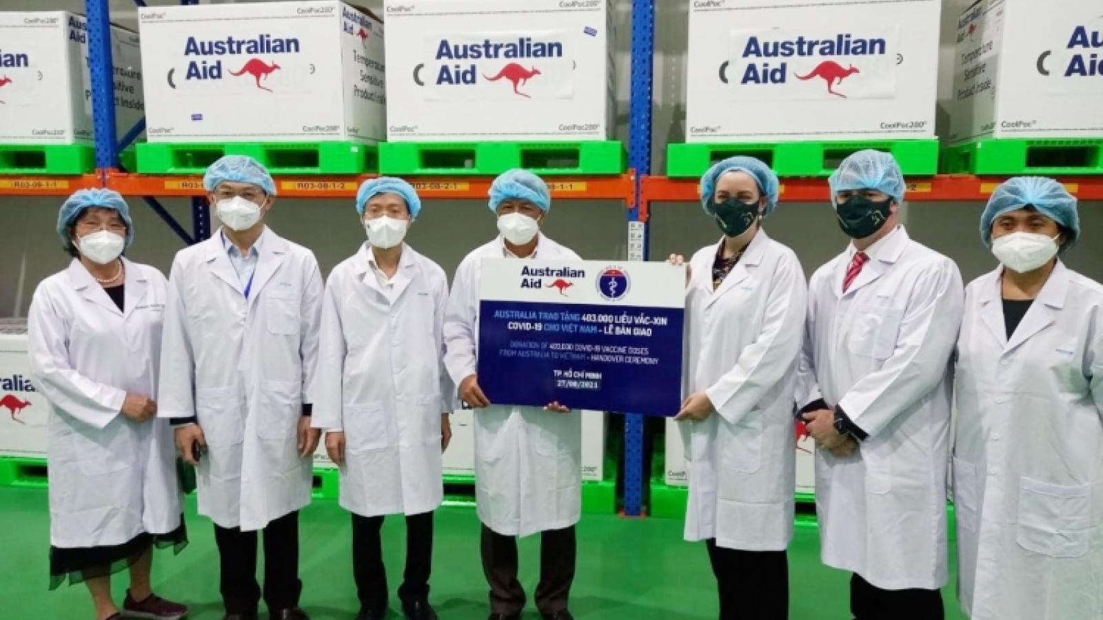 Vietnam receives 300,000 AstraZeneca vaccine doses from Australia