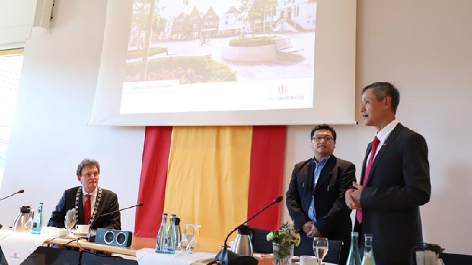 Ambassador seeks to boost Vietnam - Germany ties in nursing manpower