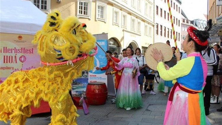 Vietnam leaves impression at multicultural festival in German city