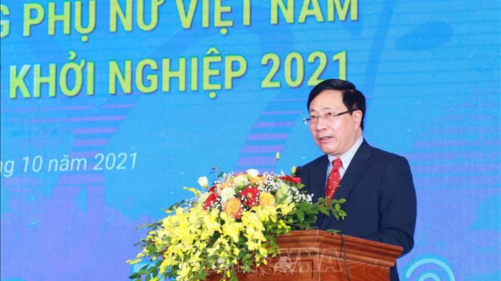 Phó Thủ tướng Phạm Bình Minh dự Lễ trao giải thưởng Phụ nữ Việt Nam