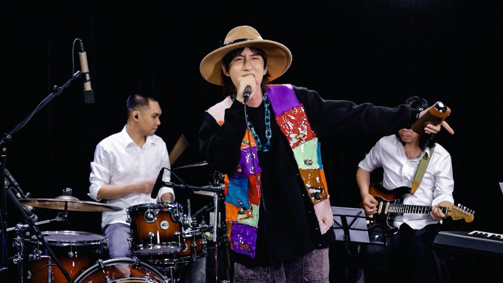 VP Bá Vương kể lại kỷ niệm đầu tiên ở Sài Gòn, khoe ca khúc tự sáng tác 8 năm trước