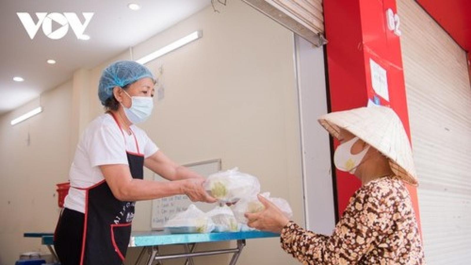 Bộ LĐTBXH đề nghị Quảng Ngãi báo cáo Thủ tướng về việc không hỗ trợ lao động tự do