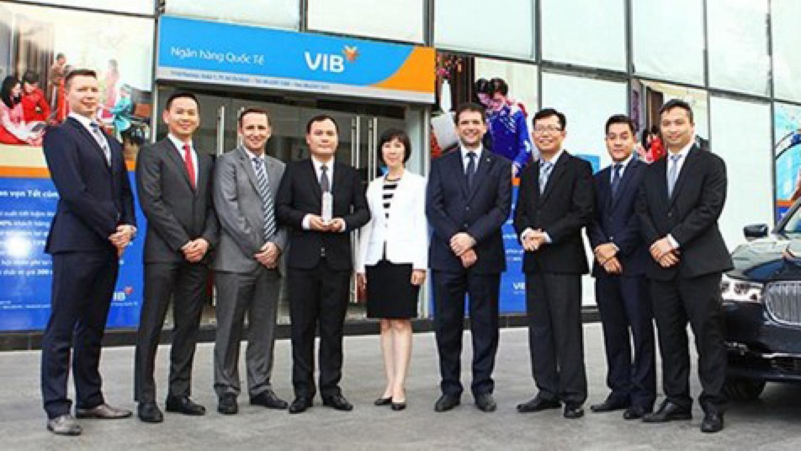BMW, VIB sign strategic agreement