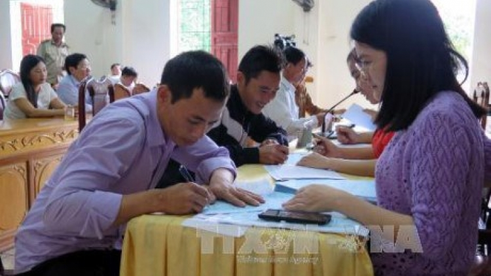 Thua Thien – Hue pays second-batch Formosa compensation to fishermen