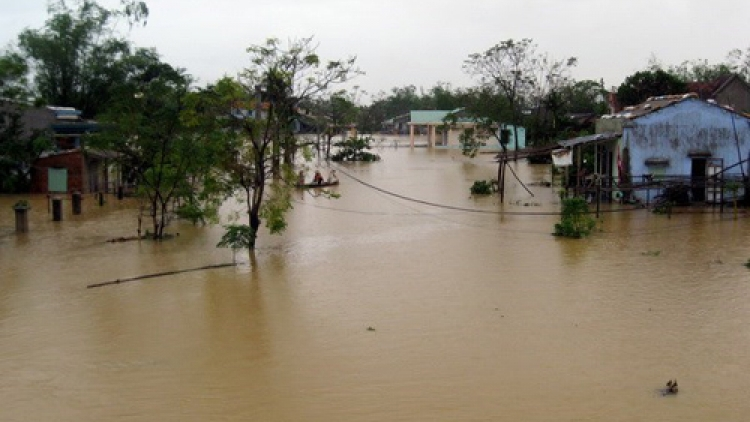 Flood victims receive nationwide support