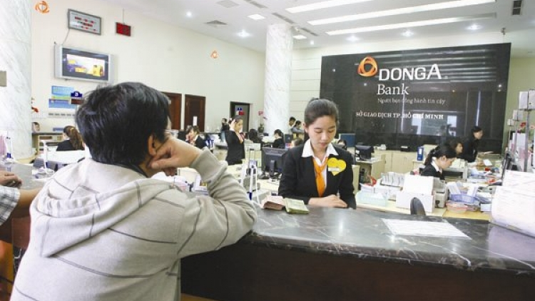 Gov't offers foreigners opportunities to buy into Vietnamese banks