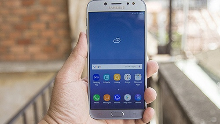 Smartphone manufacturers gear up for mid-range segment