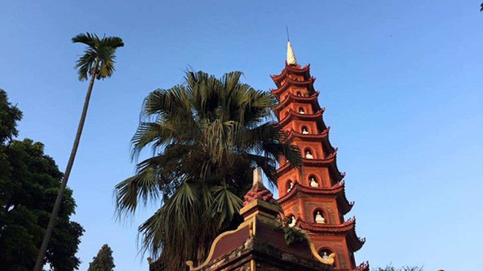 Hanoi to launch open top bus tour before Tet