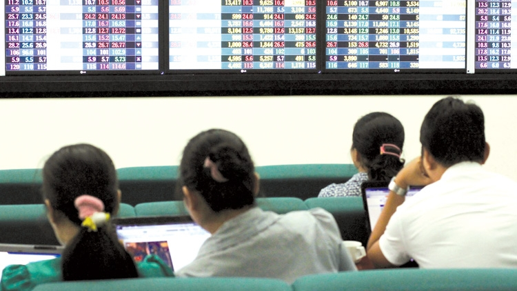 Foreign capital flows into Vietnam's stock market in takeover deals