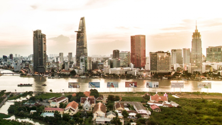 Foreign real estate brokers flock to hot Vietnam market