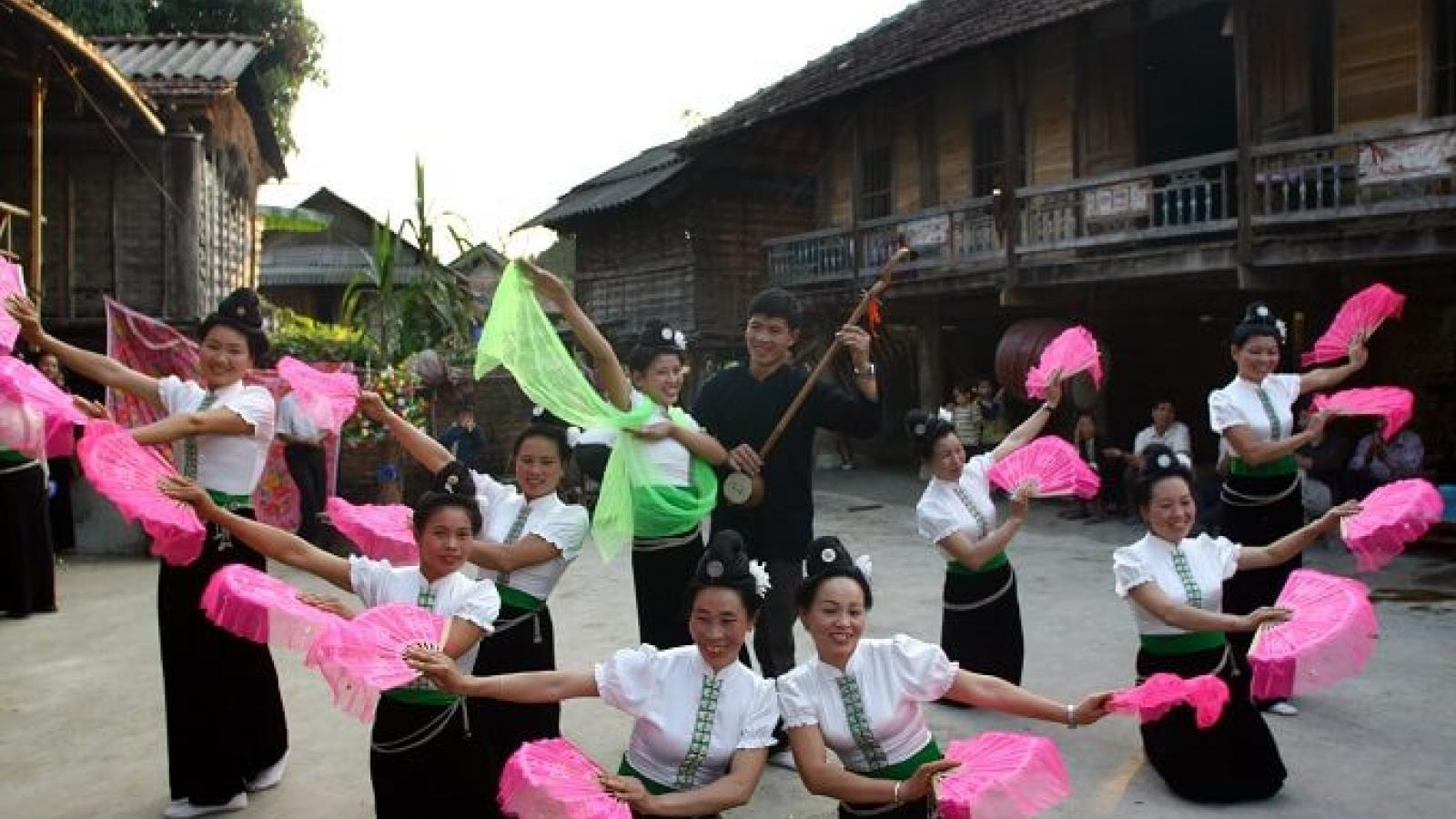 Buoc hamlet preserves Thai ethnic minority culture
