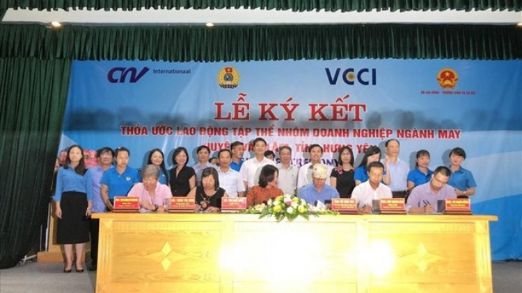 Hung Yen: Five garment firms ink collective labour agreements