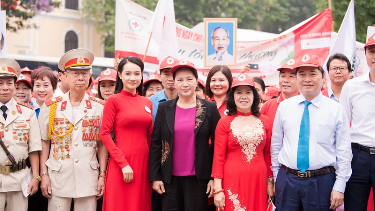 NA Chairwoman joins parade for Humanitarian Month 2019