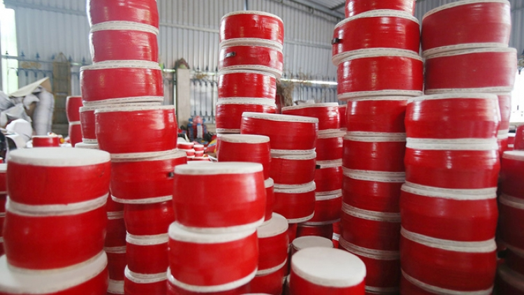 Village of Ong Hao preserves the art of drum-making
