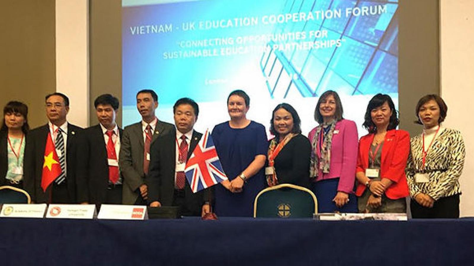 ACCA signs landmark agreements with three Vietnamese universities