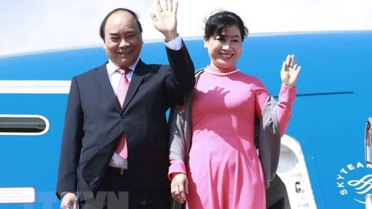 PM leaves for Singapore official visit, ASEAN Summit participation