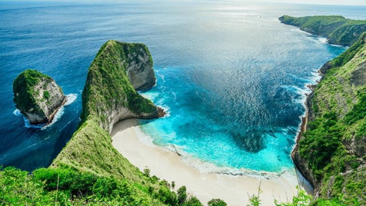 Vietnamese tourist killed in Bali following strong waves