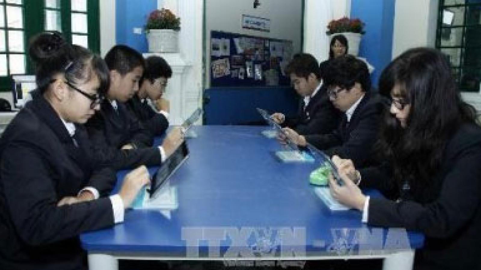 Samsung Vina grants modern libraries to schools