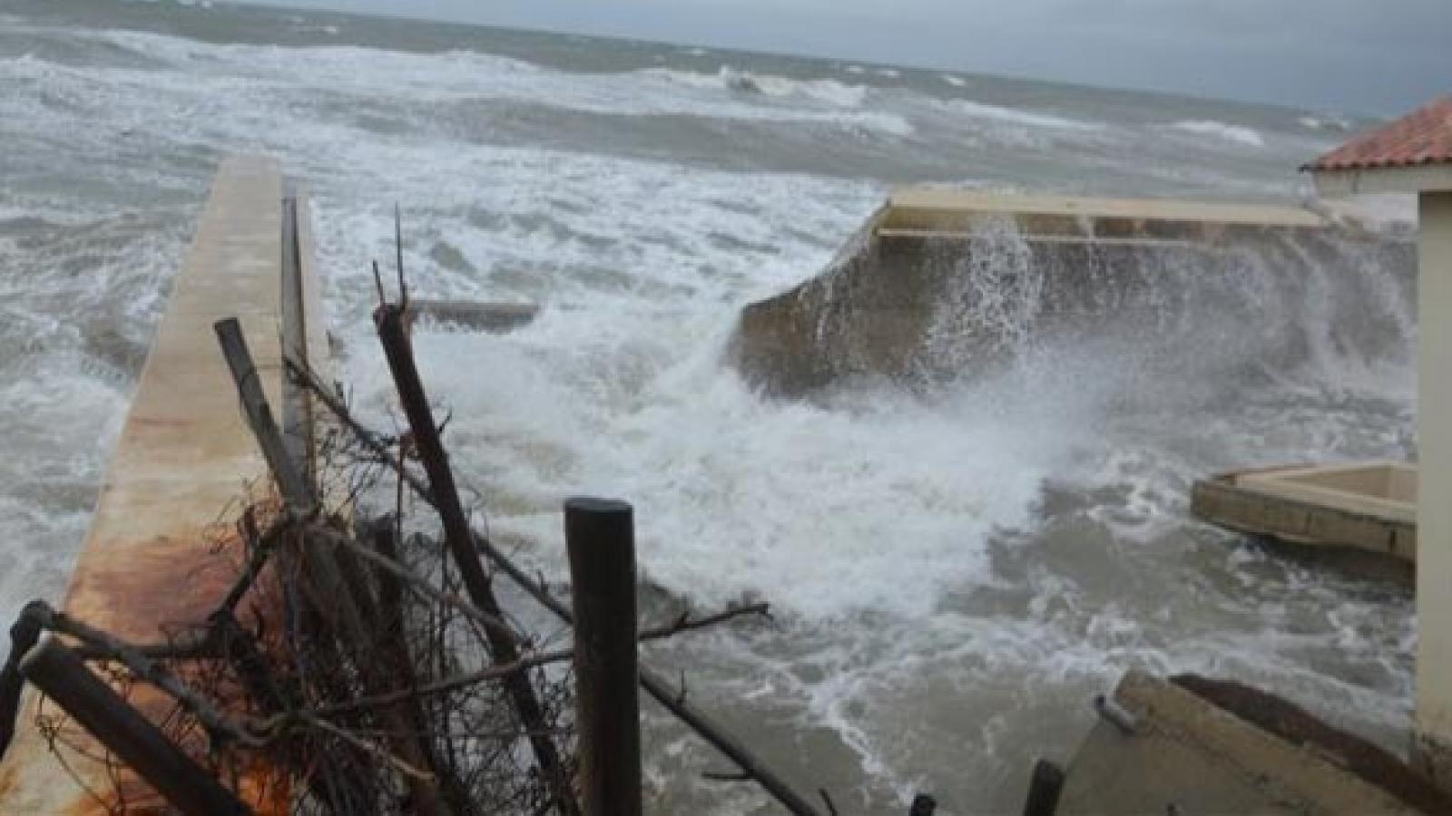Cua Dai Beach disappearing because of erosion