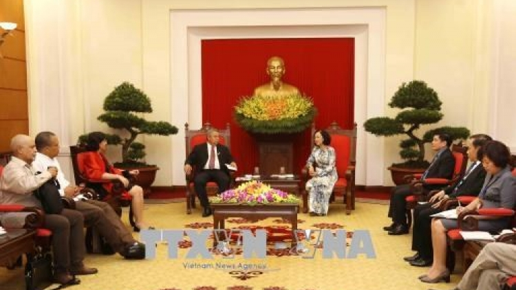 Cuban Workers Confederation General Secretary welcomed in Hanoi