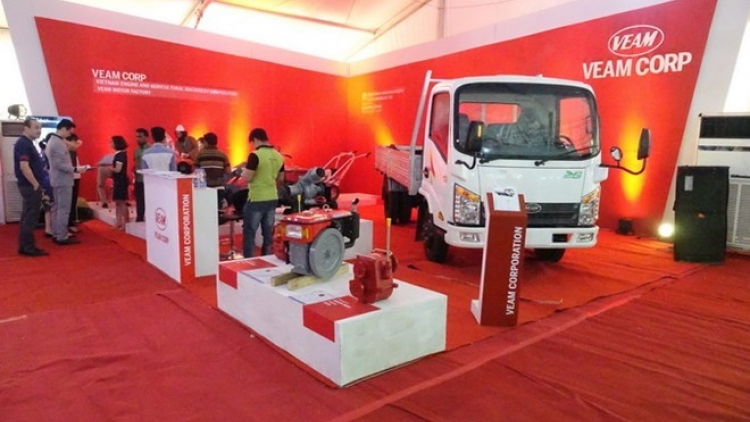 Vietnamese goods leave impression at auto fair in Bangladesh