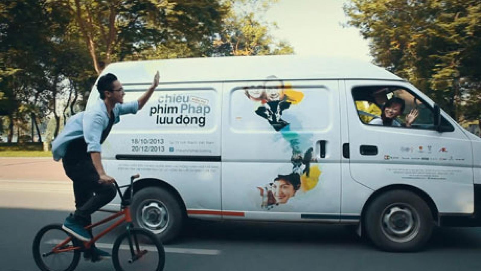 Touring French film screenings through Vietnam