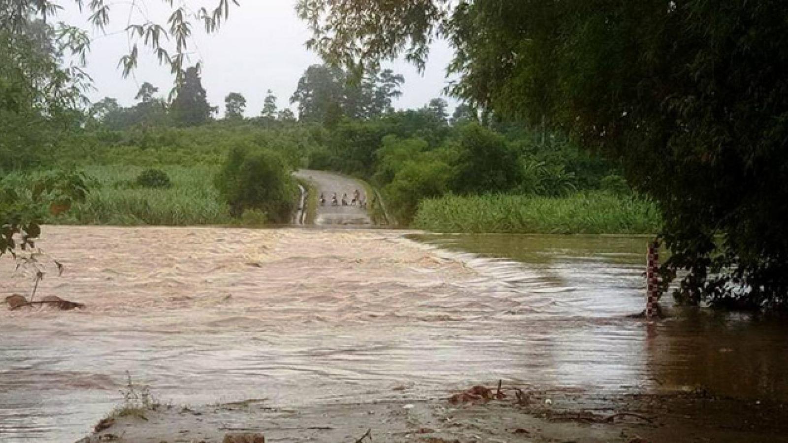 Nghe An confronts severe flood and landslides