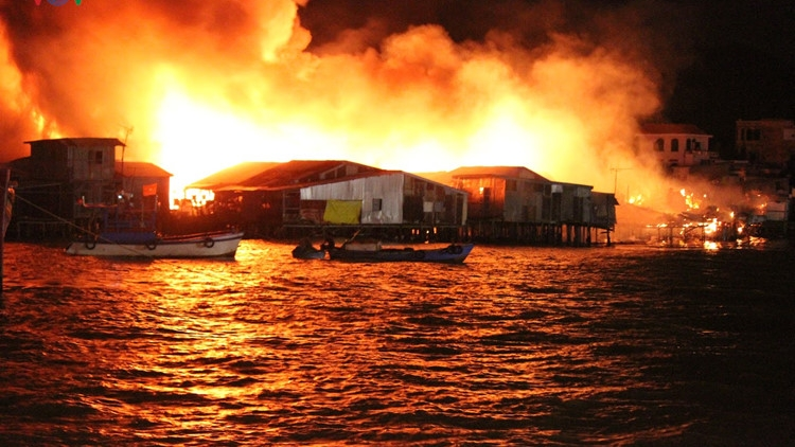 Fire destroys 70 houses in Khanh Hoa