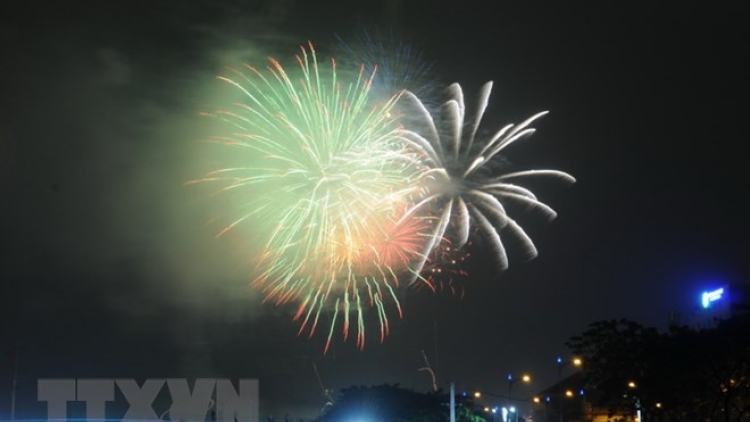 Fireworks to mark Reunification Day, May Day in HCM City